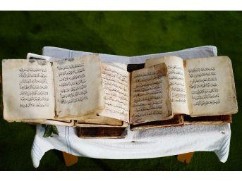 (özel) 700 Yıllık El Yazması Kur'an-ı Kerim'ler, Büyük İlgi Görüyor