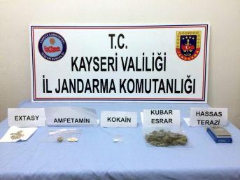 Jandarmadan Uyuşturucuya Geçit Yok