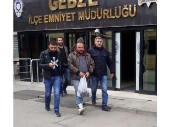 Kocaeli'de Park Halindeki 95 Aracın Aküsünü Çalan Hırsızlar Yakalandı