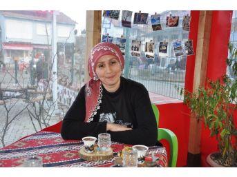 Kafe İşletmecisinin Fotoğraf Sevdası