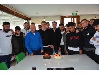 Başkan Ergün'e Sürpriz Doğum Günü Kutlaması