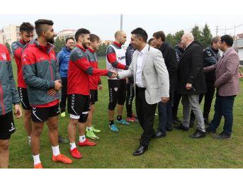 G. Manisaspor'un Yeni Yönetimi Futbolcularla Buluştu