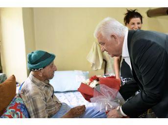 Evde Bakım Hizmetinde Tıbbi Müdahale 100 Bini Aştı