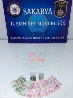 Sakarya'da Sokak Satıcılarına Operasyonda 2 Tutuklama