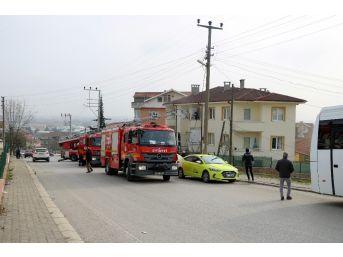 Yangında Mahsur Kalan Çocukları İtfaiye Kurtardı