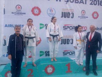 Görme Engelli Vanlı Esmer Taşkın, Judo Şampiyonasında Türkiye İkincisi Oldu