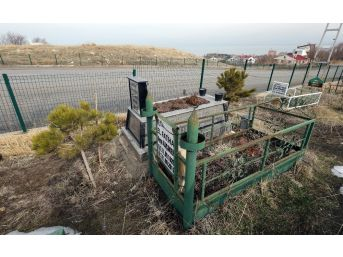 Van Büyükşehir Belediyesi Mezarlıkları Yeniden Düzenlendi