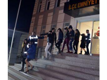 Antalya'da Fuhuş Operasyonu: 8 Gözaltı