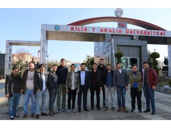 Uşak Üniversitesi Öğrencileri, Mehmetçiği Cephe Arkasında Ziyaret Etti
