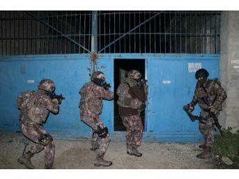 Silahlı Suç Örgütüne Operasyon: 22 Gözaltı