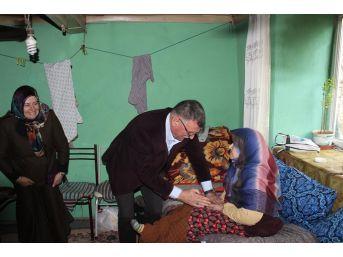 Başkan Duymuş Hasta Ve Yaşlıları Ziyaret Etti