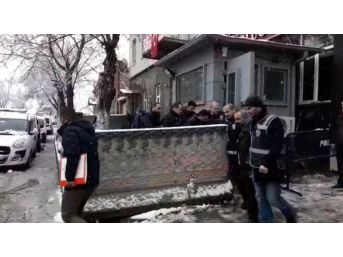 Kars'ta Cinayet Olayıyla İlgili 4 Şüpheli Adliyeye Sevk Edildi