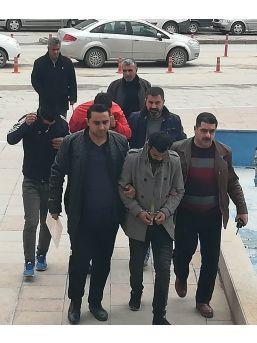 Güvenlik Kameralarını İzleyen Polis Hırsızları Yakaladı