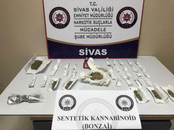 6 Ayrı Suçtan Aranan Şahıs Uyuşturucu Maddeyle Yakalandı