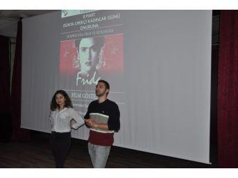 Uşak'ta Kadınlara Özel Film Gösterimi