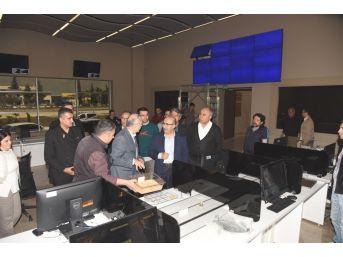 Vali Demirtaş, Adana Ticaret Borsası'nın Yeni Yerleşkesinde İncelemelerde Bulundu