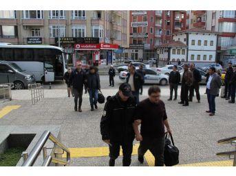 Fetö'den Gözaltına Alınan 13 Zanlı Adliyeye Sevk Edildi