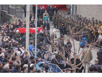 Cumhurbaşkanı Erdoğan, Şehit Teğmenin Cenaze Törenine Katıldı