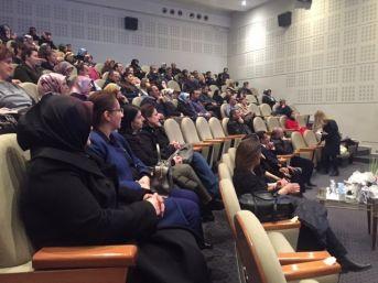 """Erzurum'da, """"aile İçi İletişim"""" Konferansı"""