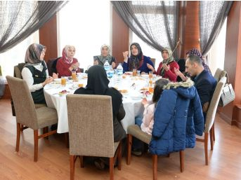 """Vali Azizoğlu: """"bugün İki Zaferi Birden Kutluyoruz"""""""