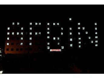 Üniversite Öğrencilerinden Mehmetçiğe Işıklı Ve Şiirli Destek