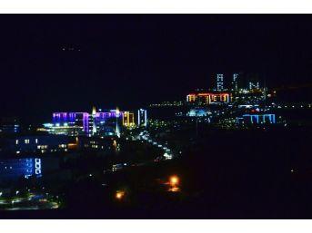 Kyk'larda Kalan Öğrencilerden Mehmetçiğe Işıklı Destek