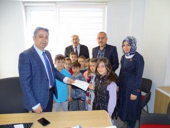 Minikler Harçlıklarını Mehmetçik'e Bağışladı