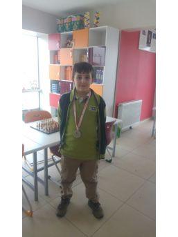 Çamlıca İlkokulu Öğrenci Satranç Turnuvasında 2. Oldu