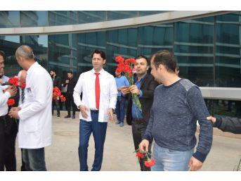 Mardin'de Doktorlar Şiddete Beyaz Balonla Cevap Verdi