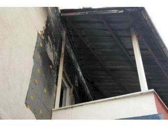 Çelikhan'da Evin Terasında Yangın Çıktı