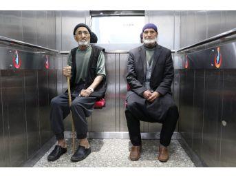 Kahta Devlet Hastanesinde 'açılabilir Koltuklu' Asansör
