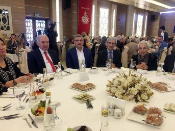 İbb Başkanı Mevlüt Uysal, Yaşlıları Yemekte Ağırladı