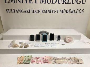 (özel) Sultangazi'de Zehir Tacirleri Suçüstü Yakalandı