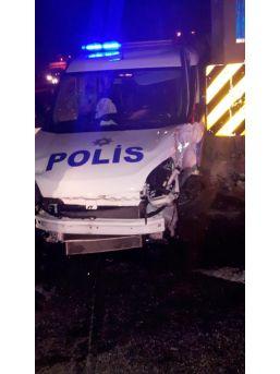 Şüpheli Kovalayan Polis Aracı Takla Attı: 2 Polis Yaralı