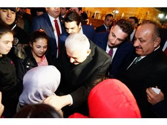 Minik Hayranı, Başbakandan Cumhurbaşkanına Selam Gönderdi