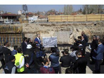 Başkan Çelik, Kayseri'de Yapılan Ulaşım Yatırımlarını Görsel Brifingle Tanıttı