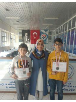 Çamlıcalı Öğrenciler Satranç Turnuvasında Dereceye Girdi