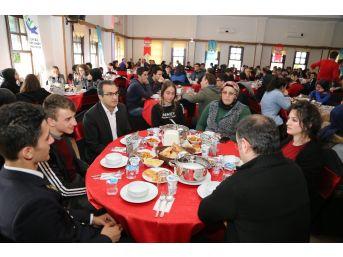 Çayeli'nde Şehit Aileleri Ve Gaziler Gençler İle Buluştu