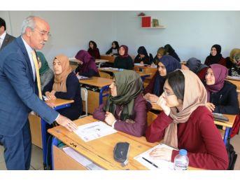 Büyükşehir'den Öğrencilere Deneme Sınavı