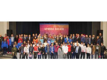 Trabzon'da 102 Bireysel Sporcu İle 8 Kulübe Yaklaşık 200 Bin Tl Para Ödülü Verildi