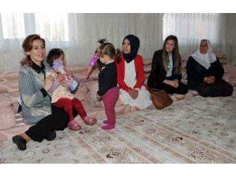 Vali Zorluoğlu'nun Eşinden Gürpınar İlçesine Ziyaret