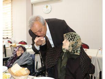 Başkan Semerci Yaşlılarla Bir Araya Geldi