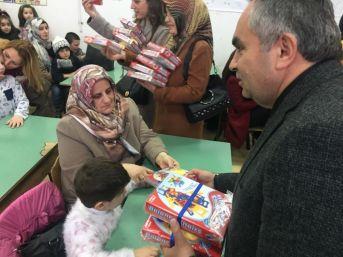 Başkan Dursun Ay Makedonya'da Özel Çocukları Sevindirdi