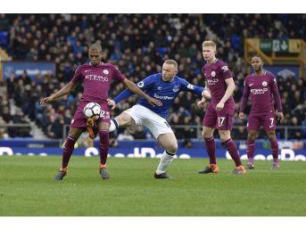 Everton İlk Yarıda Yıkıldı