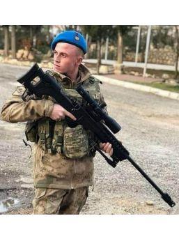 Arkadaşının Silahıyla Yanlışlıkla Kendini Vuran Uzman Onbaşı Öldü