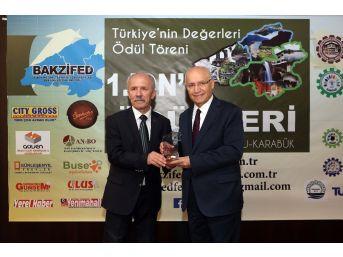 Başkan Yaşar'a 'yılın En Başarılı Yerel Yöneticisi Ödülü'