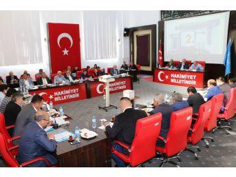 Aksu'da 4 Milyon 800 Tl'lik Asfalt Kredisi Onayladı