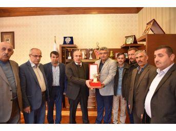 Muhtarlar Derneği'nden Başkan Arslan'a Ziyaret