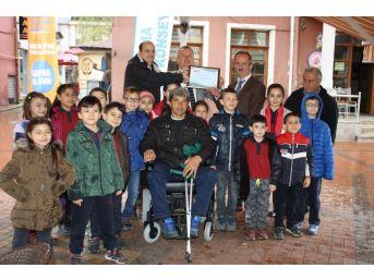 Çocuklar Bir Engelliye Hayat Oldu