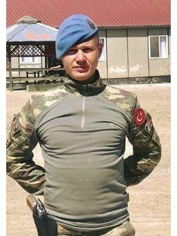 Hakkari'de Havan Saldırısında Şehit Olan Semih Şahin'in Baba Evine Acı Haber Verildi